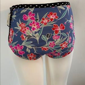 20/22 Swim bottoms, Flowers and polka dots-Cute